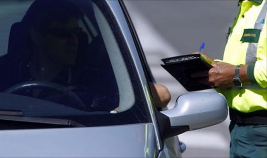 ¿Cuánto deben los españoles en multas de tráfico?