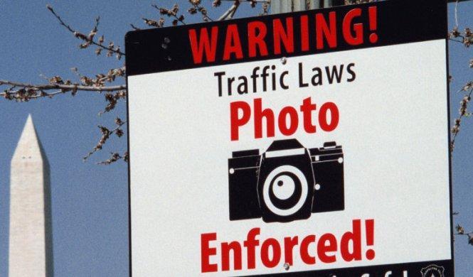 Las cámaras en los semáforos provocan más accidentes