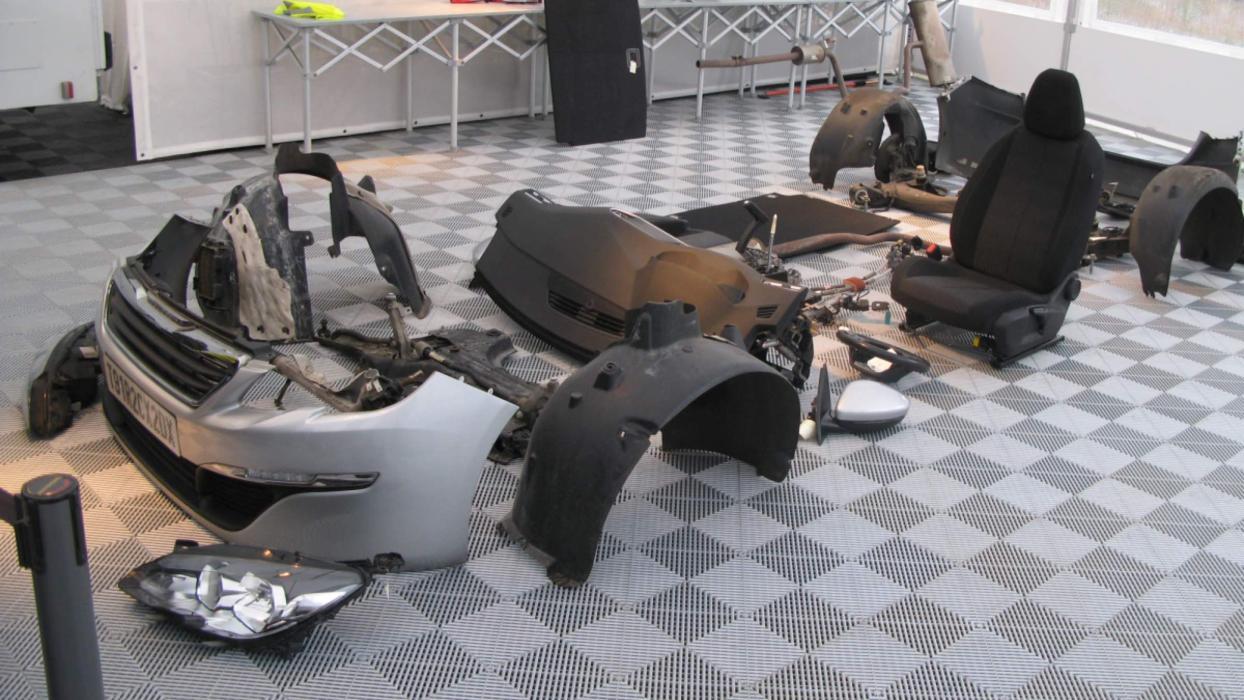 Peugeot 308 desmontado