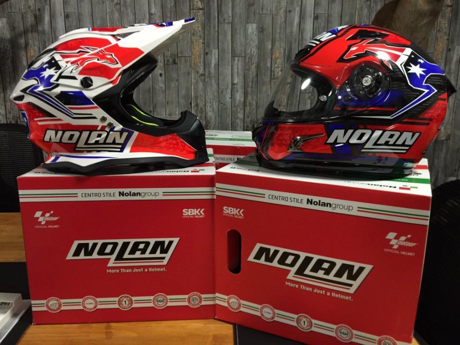 Casey Stoner estrena casco, ¿para volver a MotoGP?
