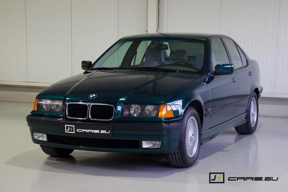 El BMW 320i E36 de 1995 tres cuartos delanteros