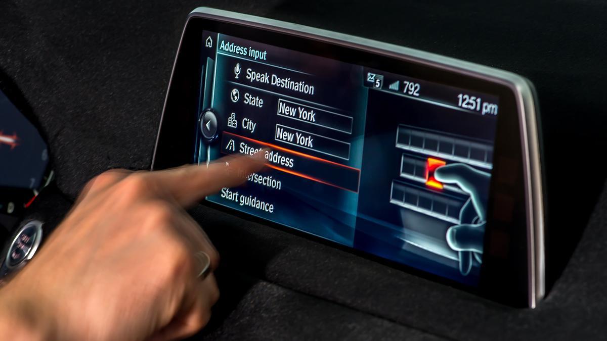 BMW sucumbe a la moda de las pantallas táctiles