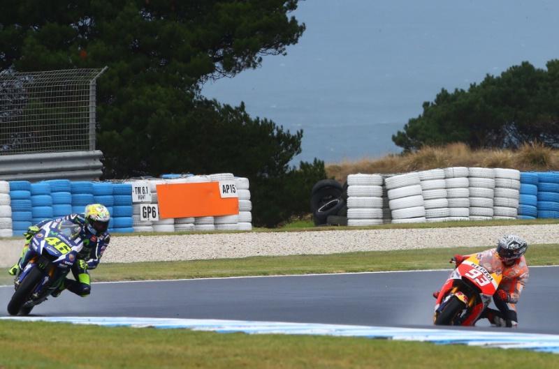 Rossi y Márquez se citan sobre el asfalto: ¡hay tensión!