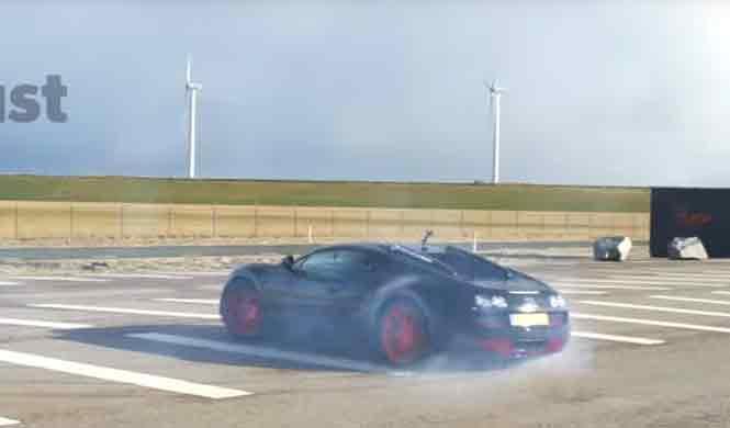 Un Bugatti Veyron Grand Sport Vitesse WRC, de drifting