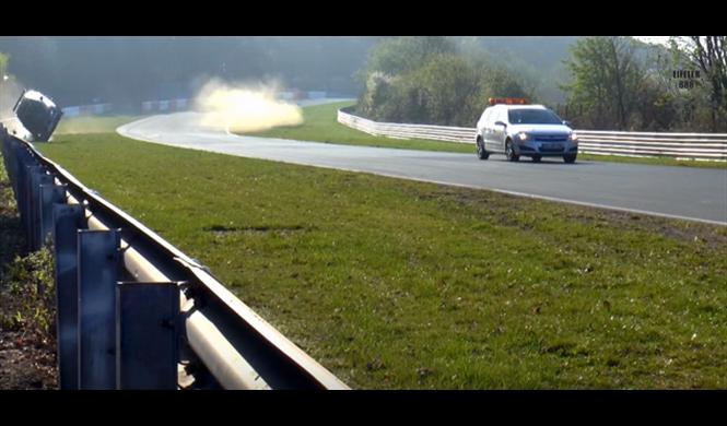 Accidentes en Nürburgring. Fans de BMW, absténganse