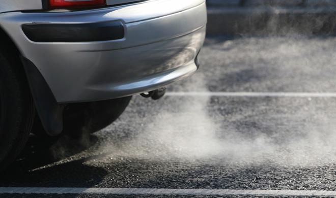 Las 3 averías del coche según el color del humo de escape