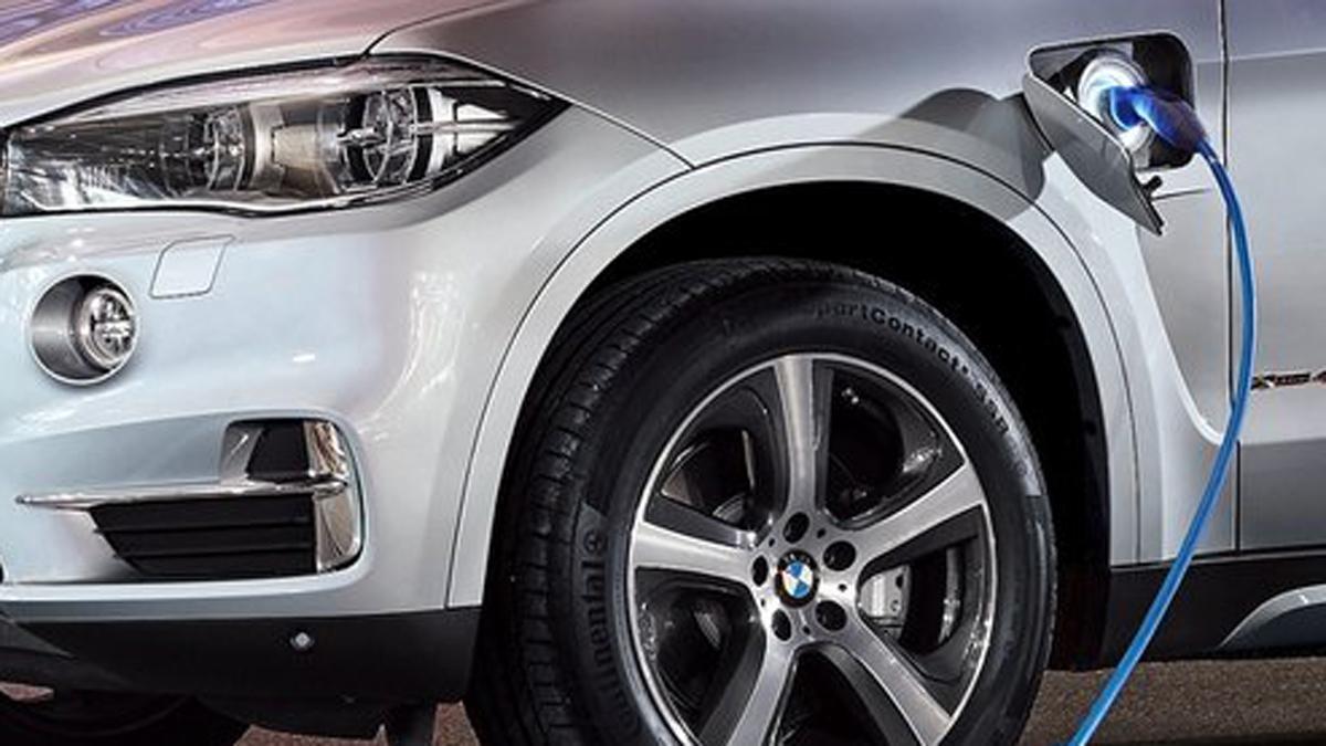 BMW X1 Plug-in Hybrid: cazado en fase de pruebas