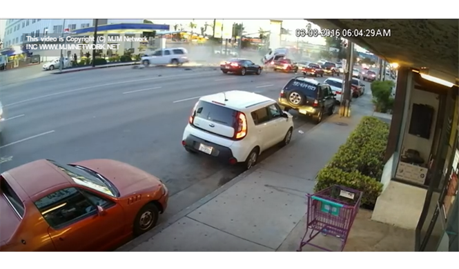 Vídeo: un accidente en L.A. termina con cinco heridos