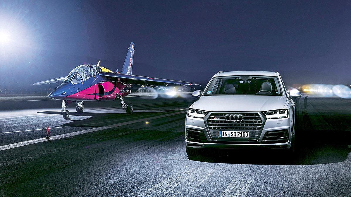 Duelo descabellado: Audi SQ7 contra un avión a reacción