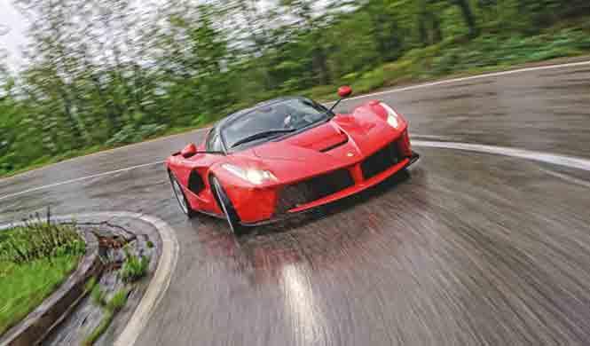 ¿Cómo le queda el verde al Ferrari LaFerrari?