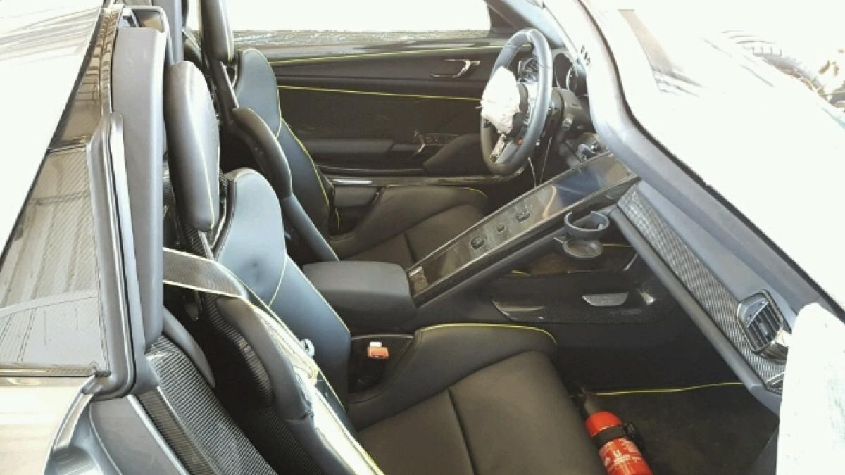 Porsche 918 Spyder accidentado asientos