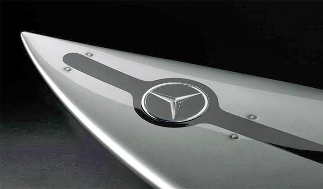 La última creación de Mercedes: una tabla de surf