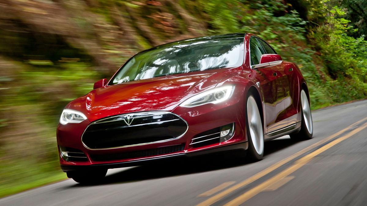 Uber quiere comprar 500.000 Tesla autónomos en 2020