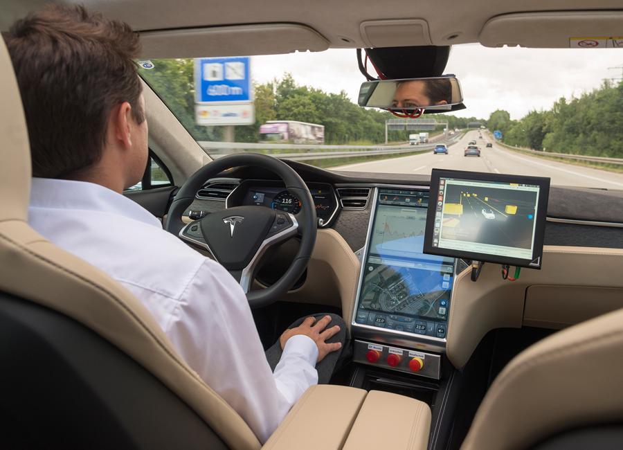 Mapas de TomTom para el coche autónomo de Bosch
