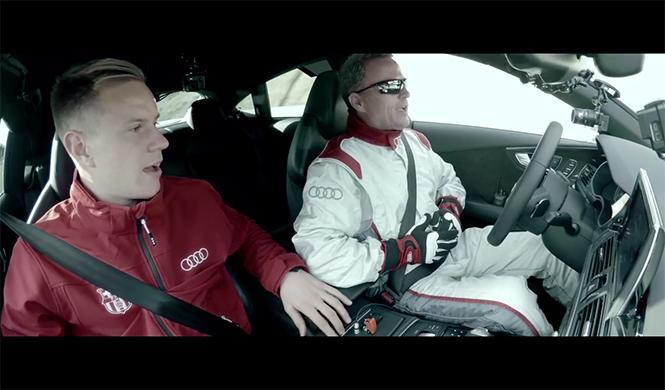 plantilla del Barça se sube al Audi RS7 que conduce solo