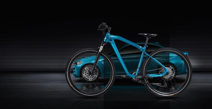 Un BMW M2 Coupé, en forma de bicicleta