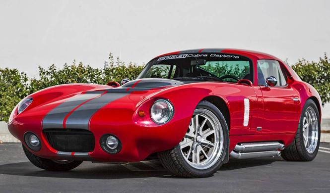 Vídeo: sube a bordo de esta réplica de Shelby Cobra Daytona