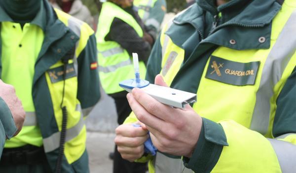 Se libra de la multa de alcohol por error de la Policía
