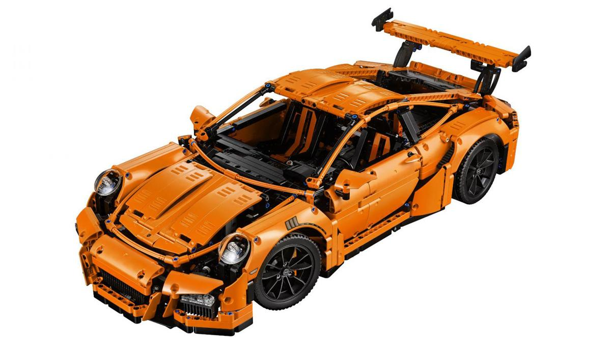 Porsche 911 GT3 RS by Lego Technic aérea