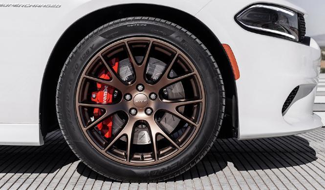 Roban llantas y neumáticos por valor de más de 60.000 euros