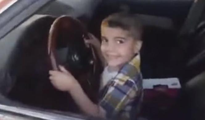 Vídeo: un niño de 3 años hace trompos con un BMW Serie 5