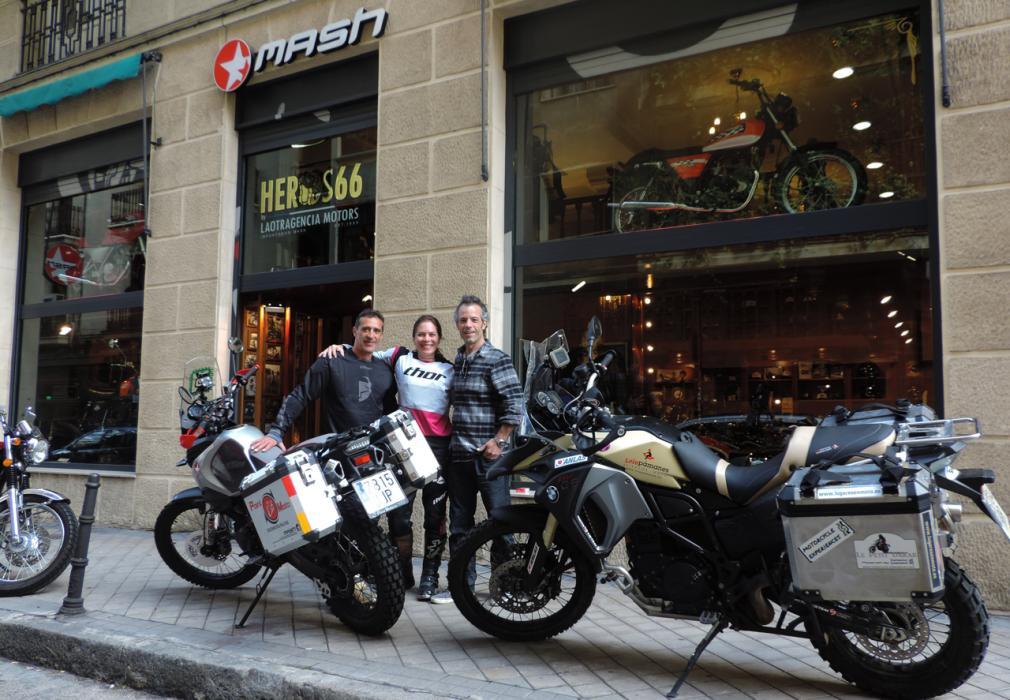 Judith Obaya desafía al Sahara con una Mash Adventure 400 R