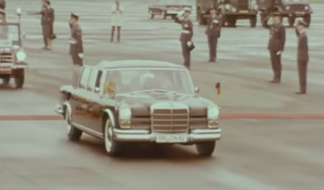 Vídeo: un Mercedes muy real puede ser tuyo...