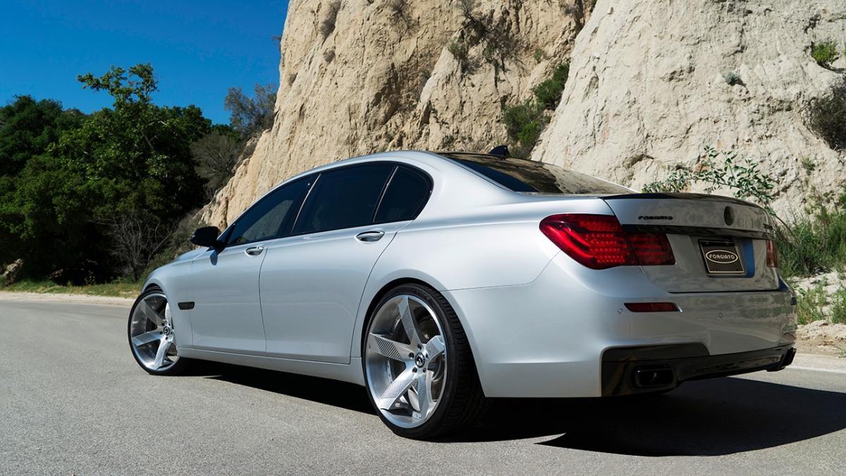 BMW Serie 7 llantas Forgiato trasera