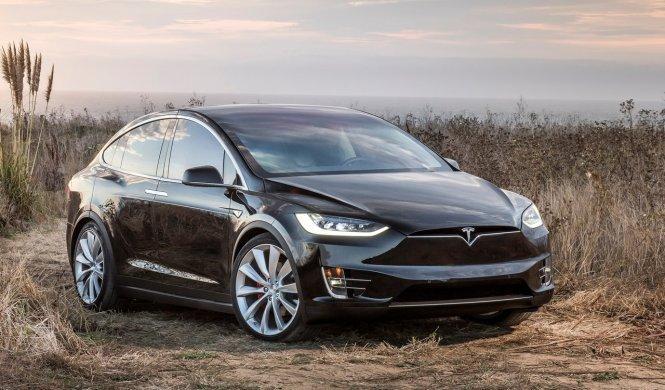 Las primeras unidades del Tesla Model X llegan a Europa
