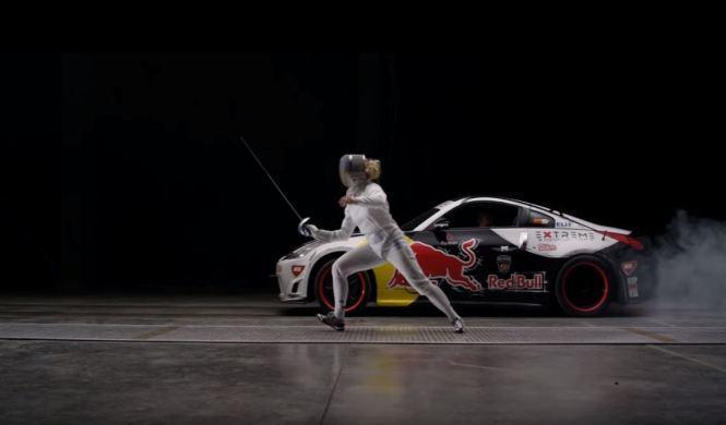 Vídeo: un esgrimidor contra un coche de carreras