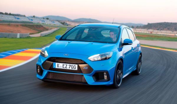 ¿Podría tu madre hacer derrapar un Ford Focus RS?