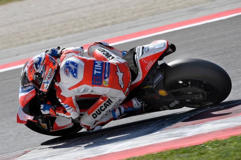 Casey Stoner vuelve a subirse a la Ducati GP16 en Misano