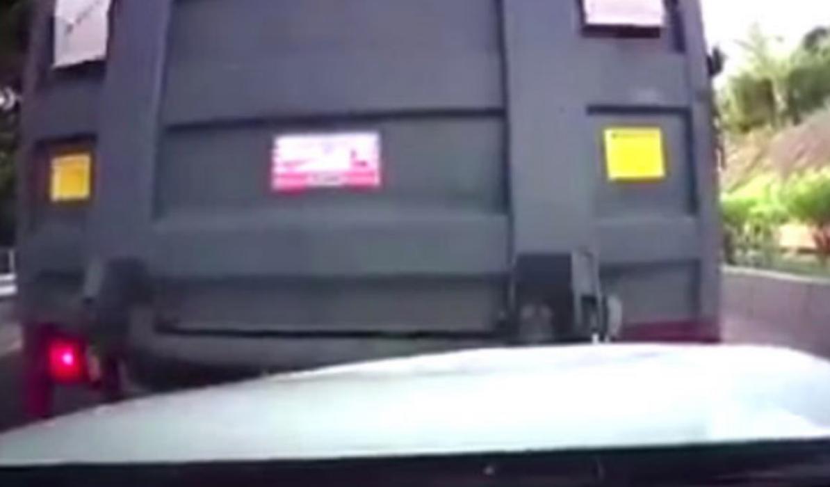 Vídeo: peligroso incidente entre un Mercedes y un camión