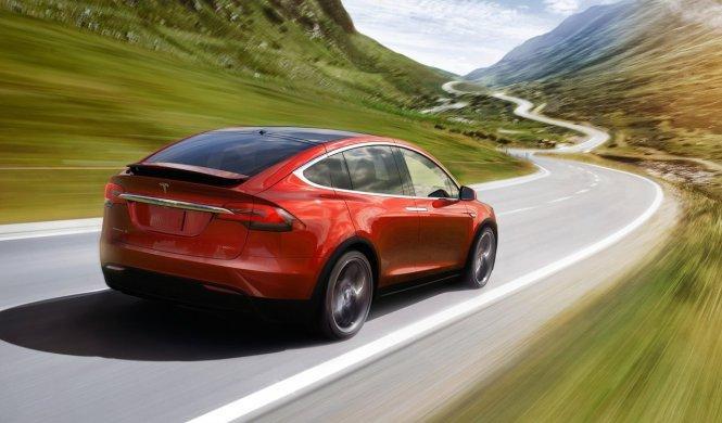Tesla Model X 60D: el acceso a gama del SUV eléctrico