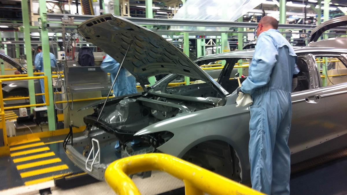 Ford anuncia despidos en su fábrica de Valencia
