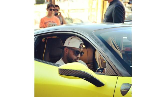 Samuel Eto'o se pasea por Mónaco con este cochazo