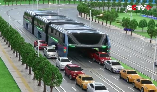 El autobús-túnel que pasa sobre los coches sería un fraude