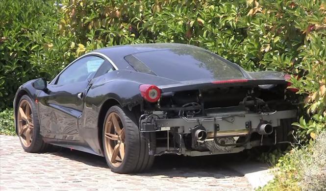 Cazado un extraño prototipo de Ferrari, ¿KERS en camino?