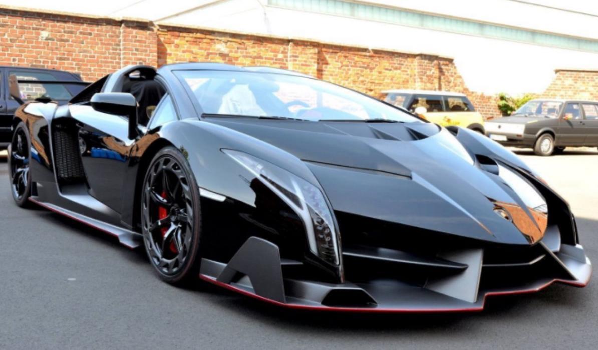Un extravagante Lamborghini Veneno Roadster, a la venta