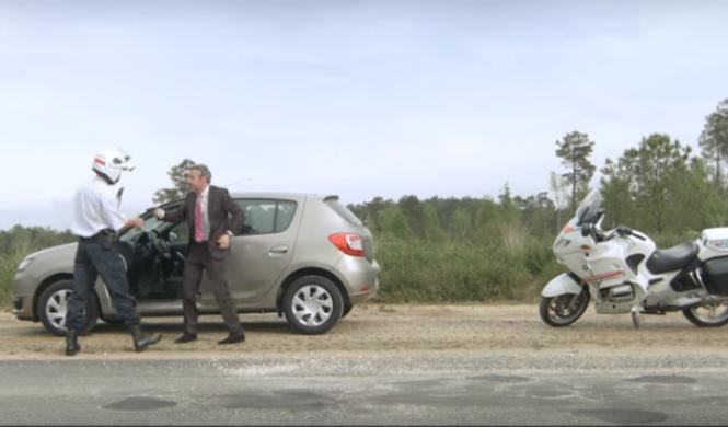 Vídeo: Dacia Sandero, irresistible hasta para la Policía