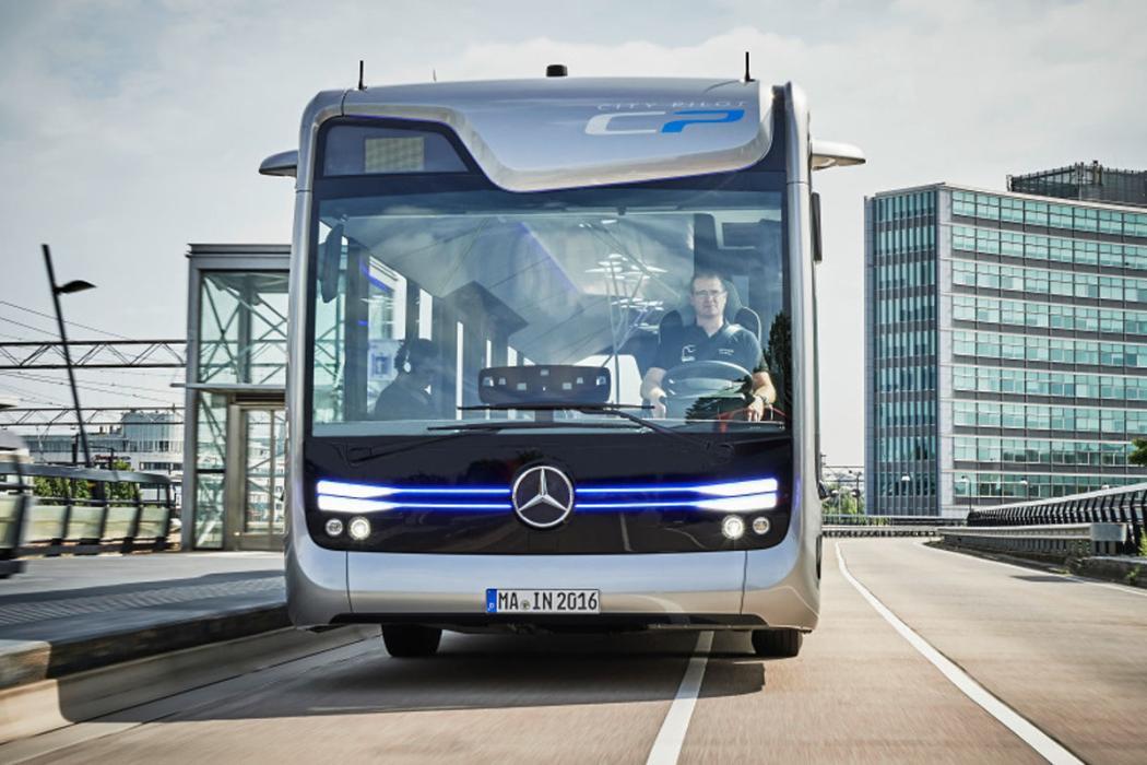 Prueba: nos subimos al autobús autónomo de Mercedes