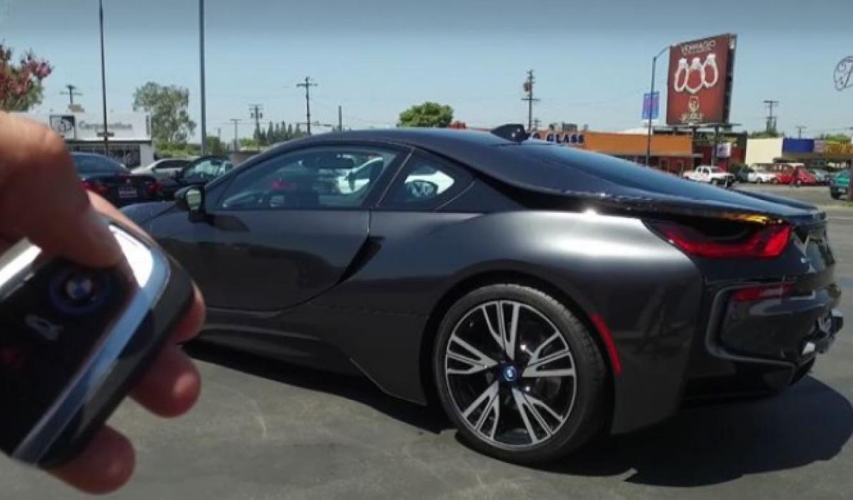 Tesla o BMW: ¿a quién pertenece el futuro?