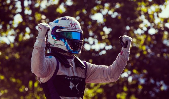 Reta al piloto de Fórmula E y consigue 1 millón de dólares