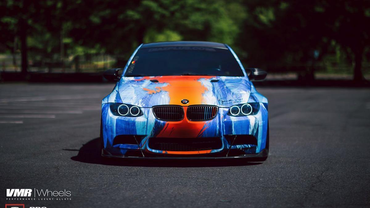 BMW E92 M3 vinilado agua y fuego frontal