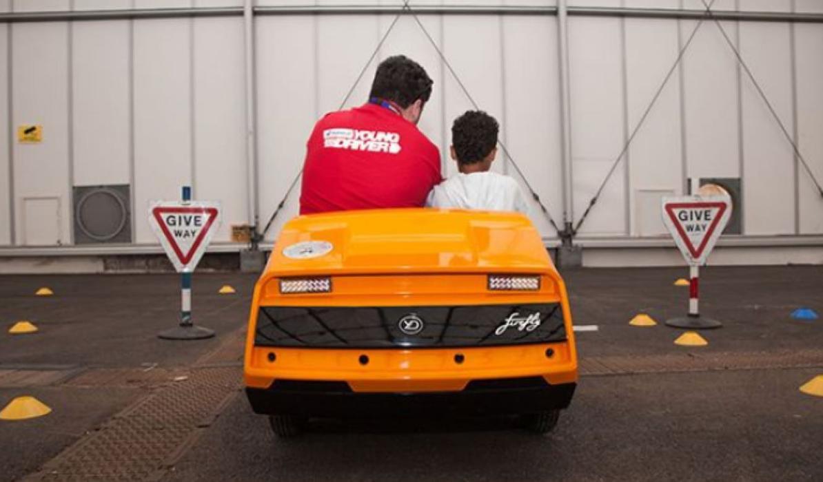 El mejor coche para que los niños aprendan a conducir