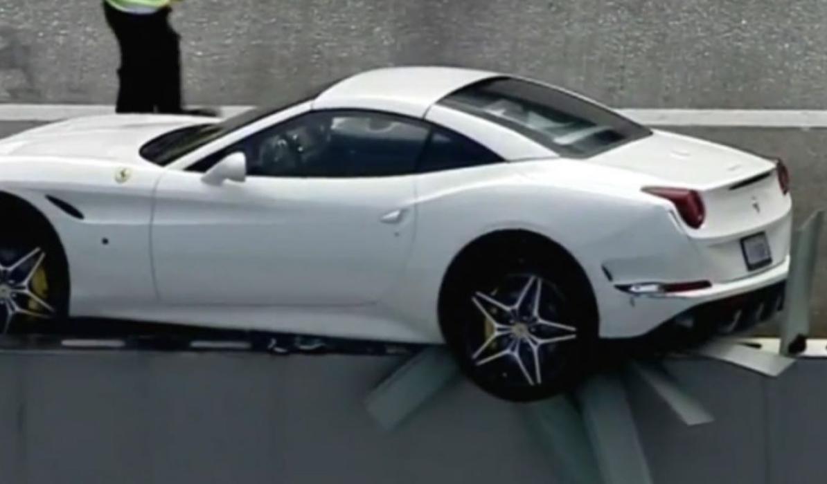 Este Ferrari California T vuelve a nacer...
