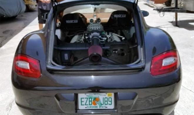 ¿Qué pasa si le metes un V8 a un Porsche Cayman?