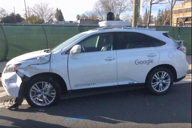 Conductor borracho choca contra el coche autónomo de Google