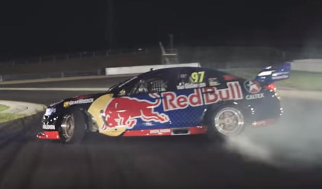 Vídeo: Red Bull y su espectacular Holden Commodore de drift