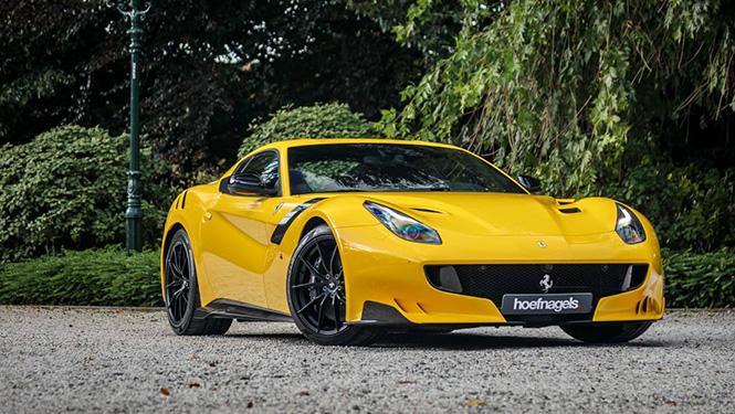 Un Ferrari F12tdf amarillo sale a la venta en Holanda